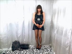 Dana T-girl cumming for her..