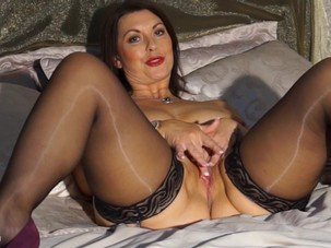 CHRISTINE O., BRITISH MILF..