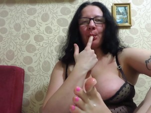 Sweet feet mature brunette