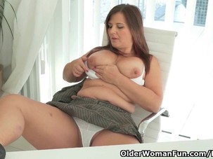 Well rounded milf Riona takes a..