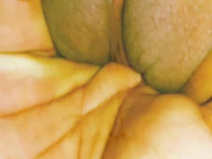 Bbw milf gets finger fucked..