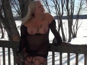 Abba Lynn winter smoke break