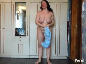 mature milf pees standing up!