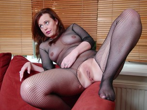 Dede's Nude Slideshow, Part 03