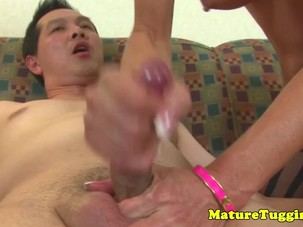 Spex milf jerking while in..