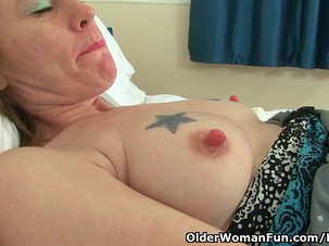 English milf Sexy P's puffy..