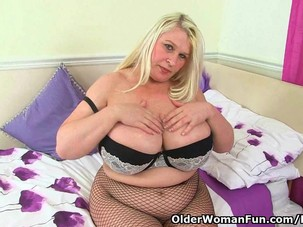 English milf Sammy Sanders..