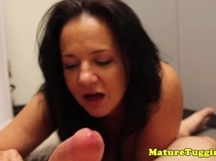 Bigtitted housewife jerking and..