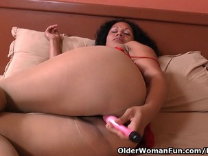 Latina milf Sharon gets highly..