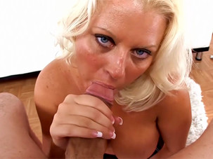 Roxy Doll Cougar MILF..