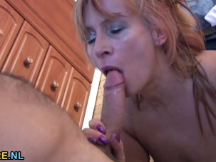 Hairy mature lady gets her..
