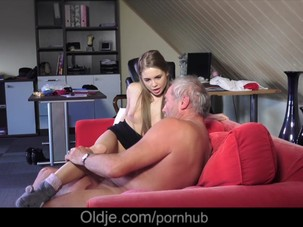 Young Russian Girl Suck The..